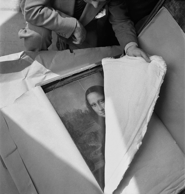 Da Vinci's Mona Lisa is returned to the Louvre after WWII