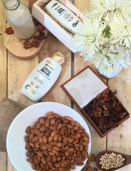 garnier-ultra-blends-soy-milk-and-almonds