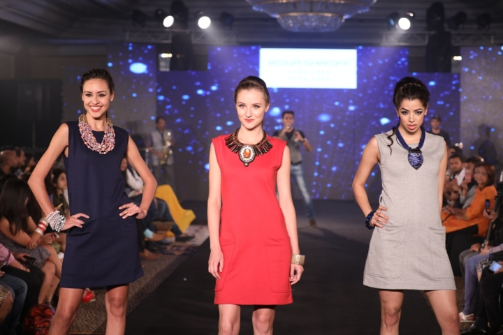 Models at Mona Shroff and Rajiv Mehta Show at IIFW (29)