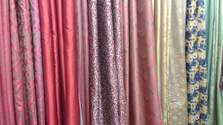 deco-window-curtains-and-cushions