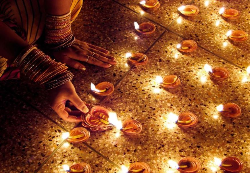 6-festivals-of-light-to-plan-your-holidays-abroad-for