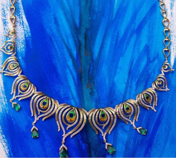 Caratlane-diamond-necklaces